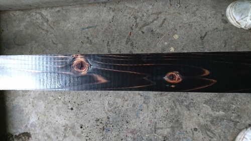 【東京都大田区】植木屋の焼き杉による木製フェンス設置、焼き加減2